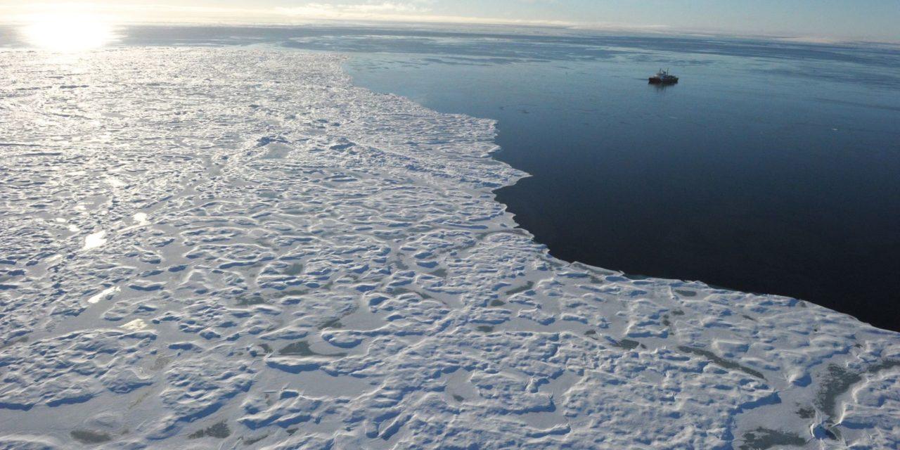 La fonte des glaces dans l'Arctique se poursuit